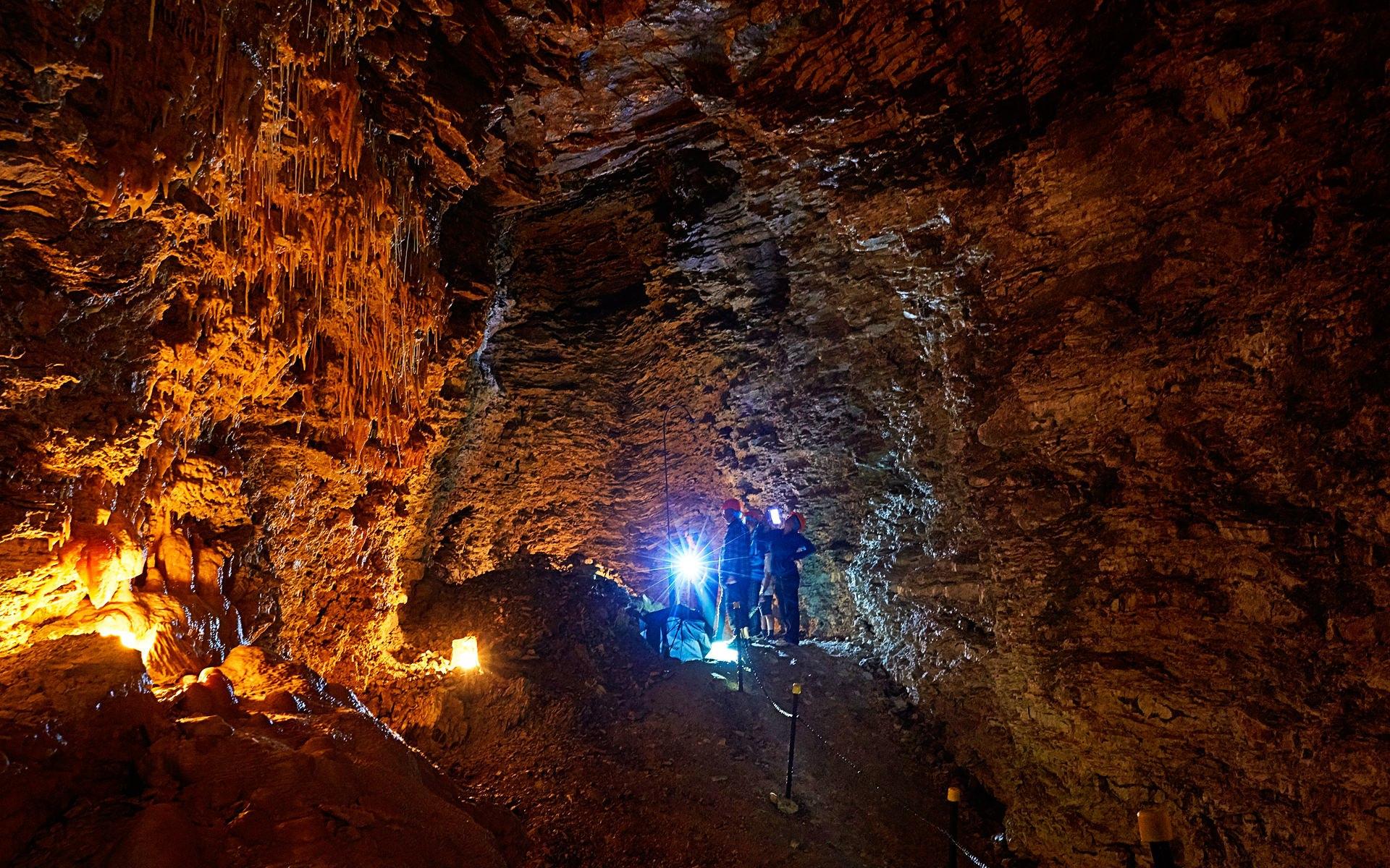 caves-kaikoura-cave-tour-02