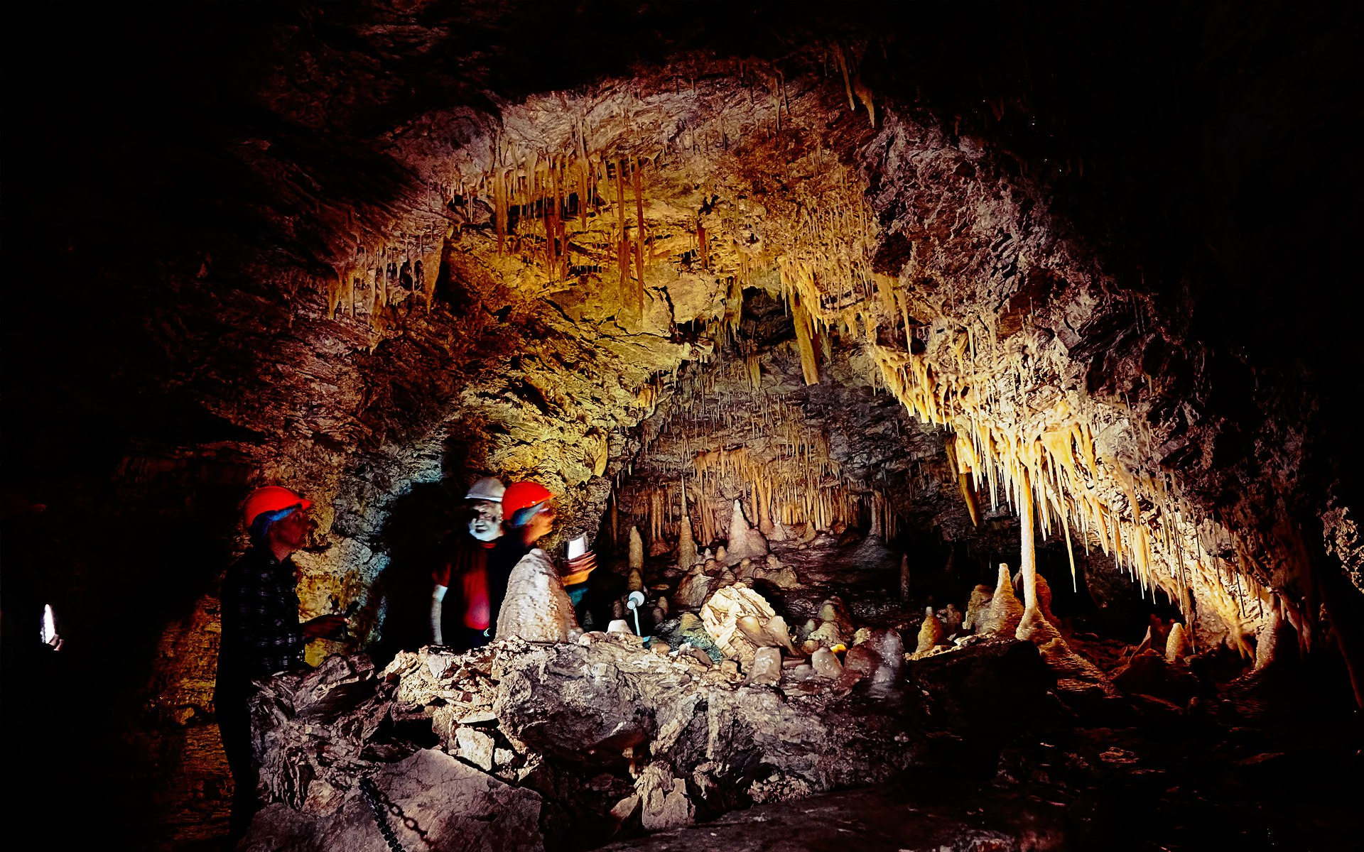 caves-kaikoura-cave-tour-03
